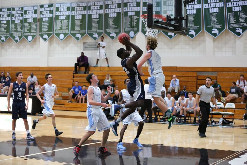 Boys Varsity Basketball Defeats Ransom