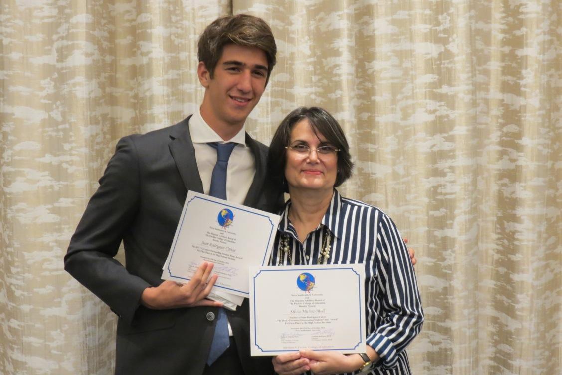 Junior Juan Rodriguez-Calvet Wins First Place at Hispanic Writing Contest