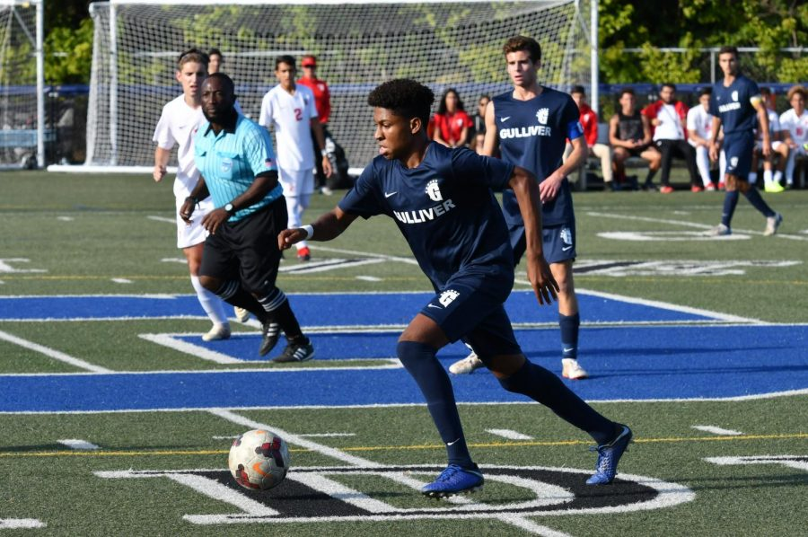 Boys Varsity Soccer concludes season in District Semifinals