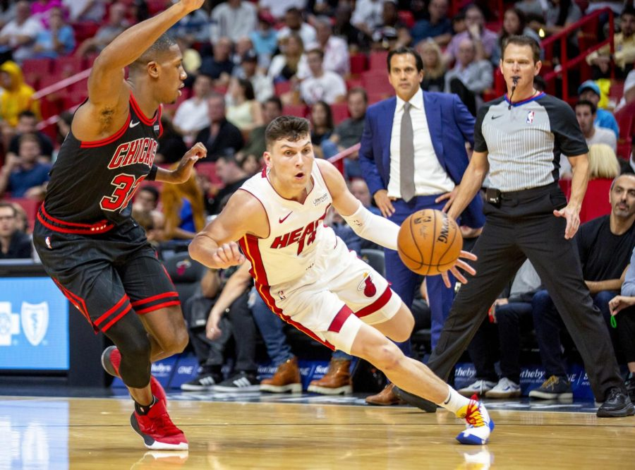 Miami Heat guard Tyler Herro (14) drives to the basket during the second quarter against the Chicago Bulls on Sunday, Dec. 8, 2019 at AmericanAirlines Arena in Miami, Fla. (Daniel A. Varela/Miami Herald/TNS)