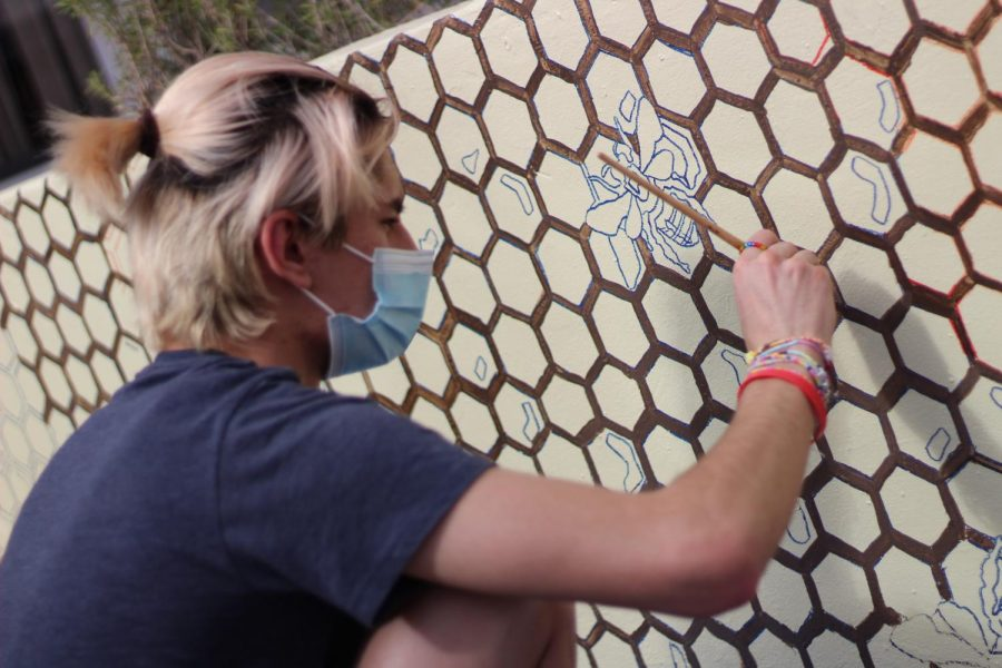 Slideshow%3A+NAHS+Students+Paint+Atrium+Murals