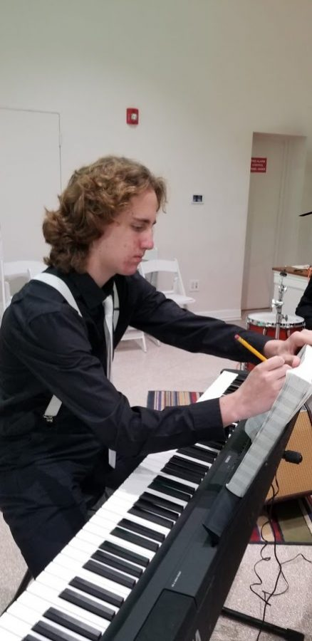 Junior Jason Fieler is developing a strong presence in the musical world, receiving hundreds to even thousands of listeners for  the dozens of songs he composes and records himself. He uses music as both a personal passion and a way of bringing people together.